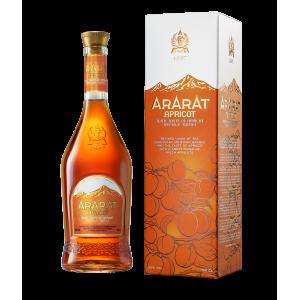 Ararat Brandy met Bbrikozen extract.