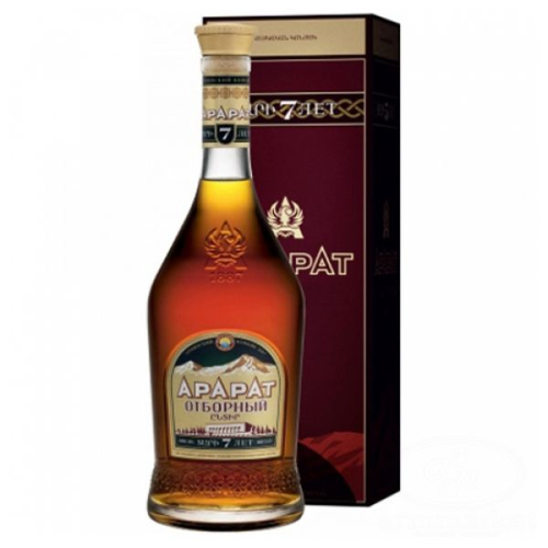 "Ararat Brandy ""Otborny"" 7  Jaar 0.5L"