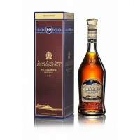 """Ararat Brandy  """"Akhtamar"""" XO 10 Jaar 0.5L"""