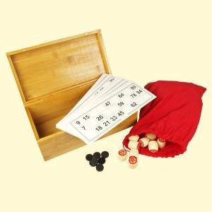 Russian Lotto in een houten kist.